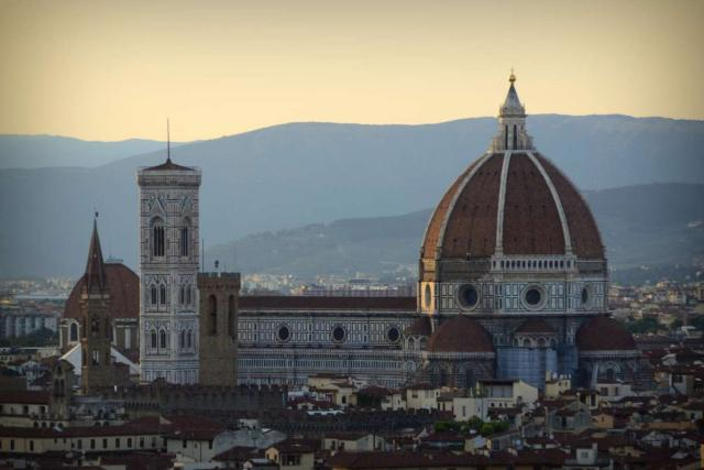 Teens take i the views of Florence Cathedral and Il Duomo on their summer travel program in Italy.