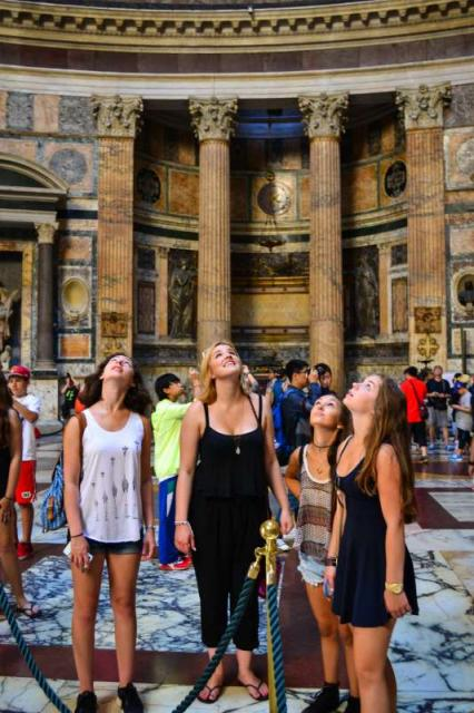 Teens admire the Pantheon during their time in Rome on their summer tour of Italy.