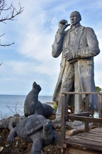 Giant statues by the sea captured by students on their teen tour of Ecuador and the Galápagos Islands.
