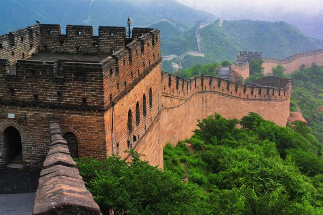 High school students capture the Great Wall of China on their summer teen tour.