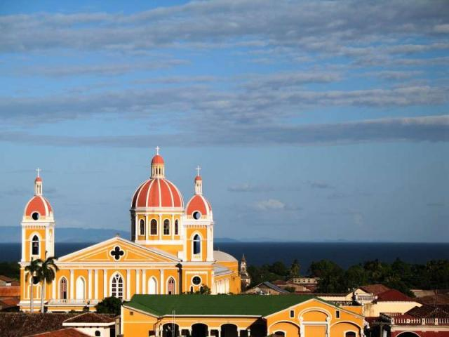 Teens discover churches in Costa Rica on their summer travel tour.