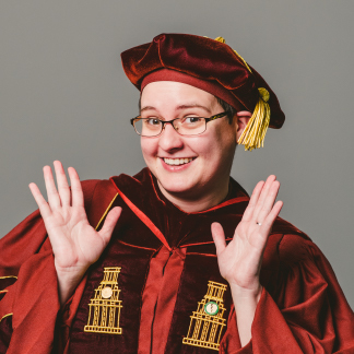 Portrait of Lori Healey.