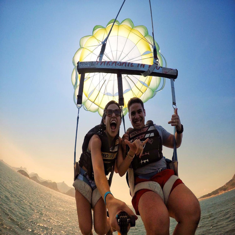 Voo de Parasail para 2 pessoas no Rio de Janeiro (Agende sua Data)