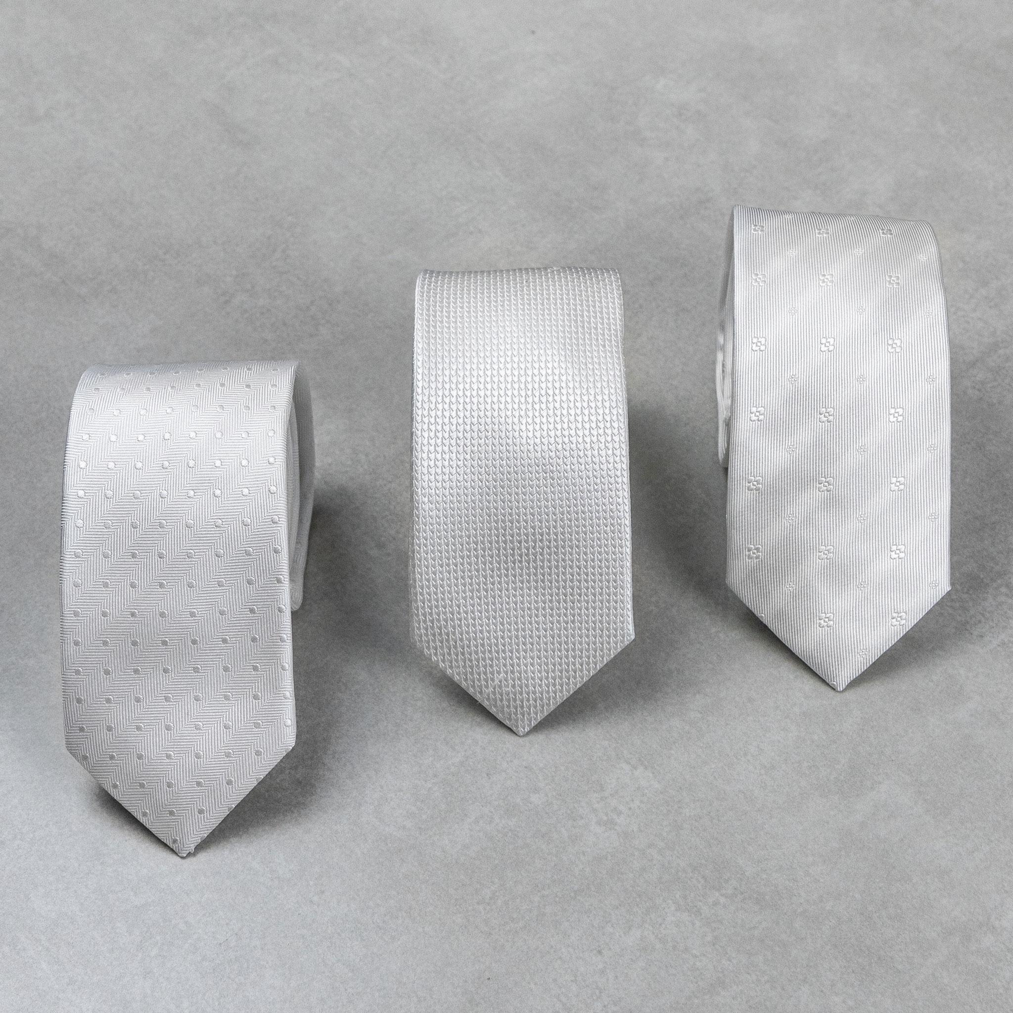 gravata off-white de seda para casamento