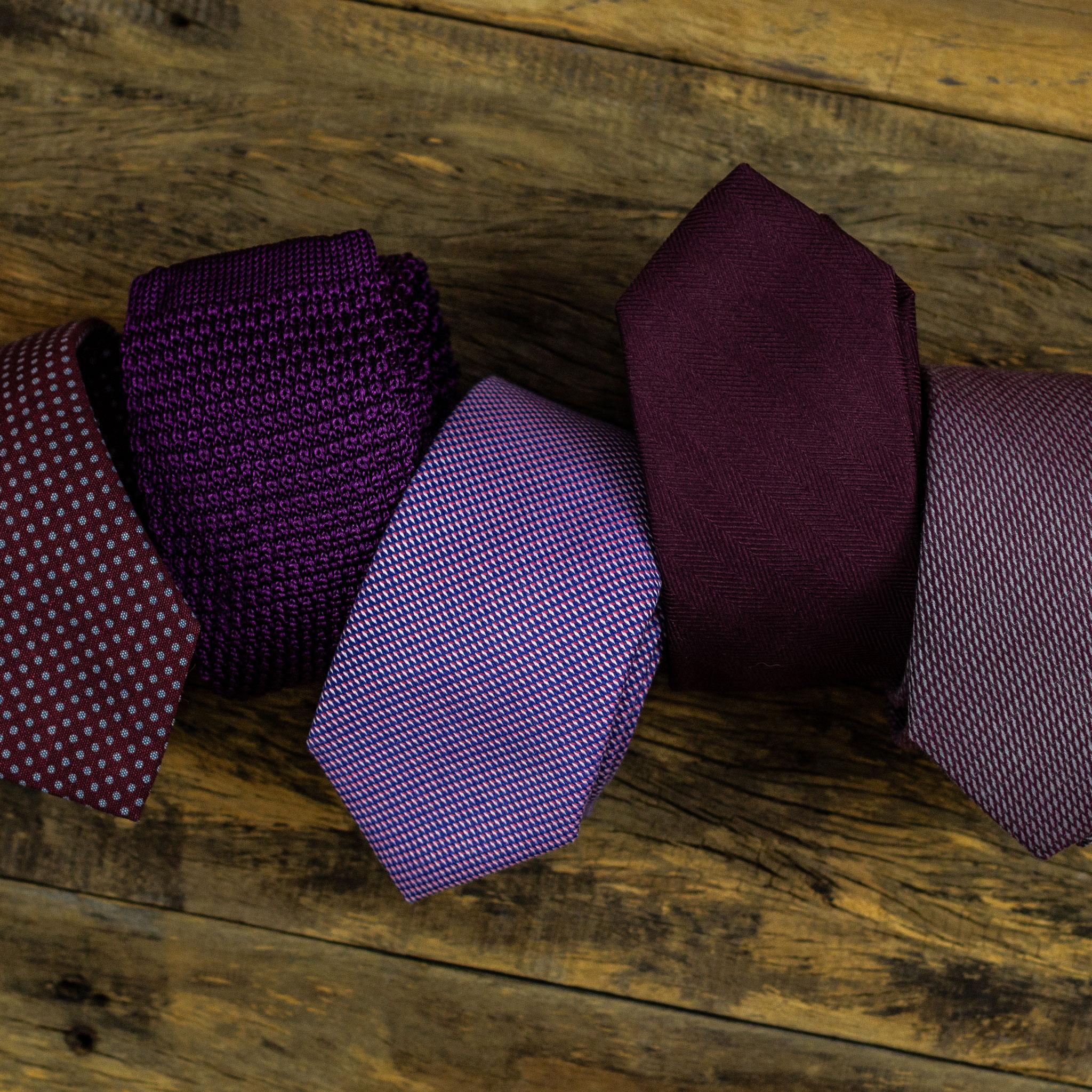 gravata roxa
