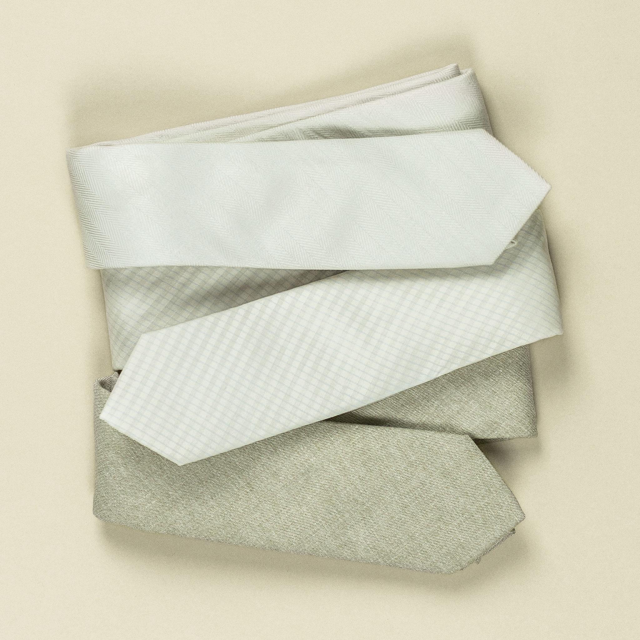 gravatas em tons pastéis
