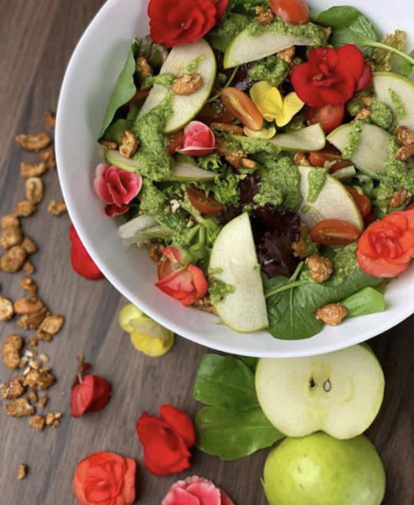 A salada do chef Junior Marinho