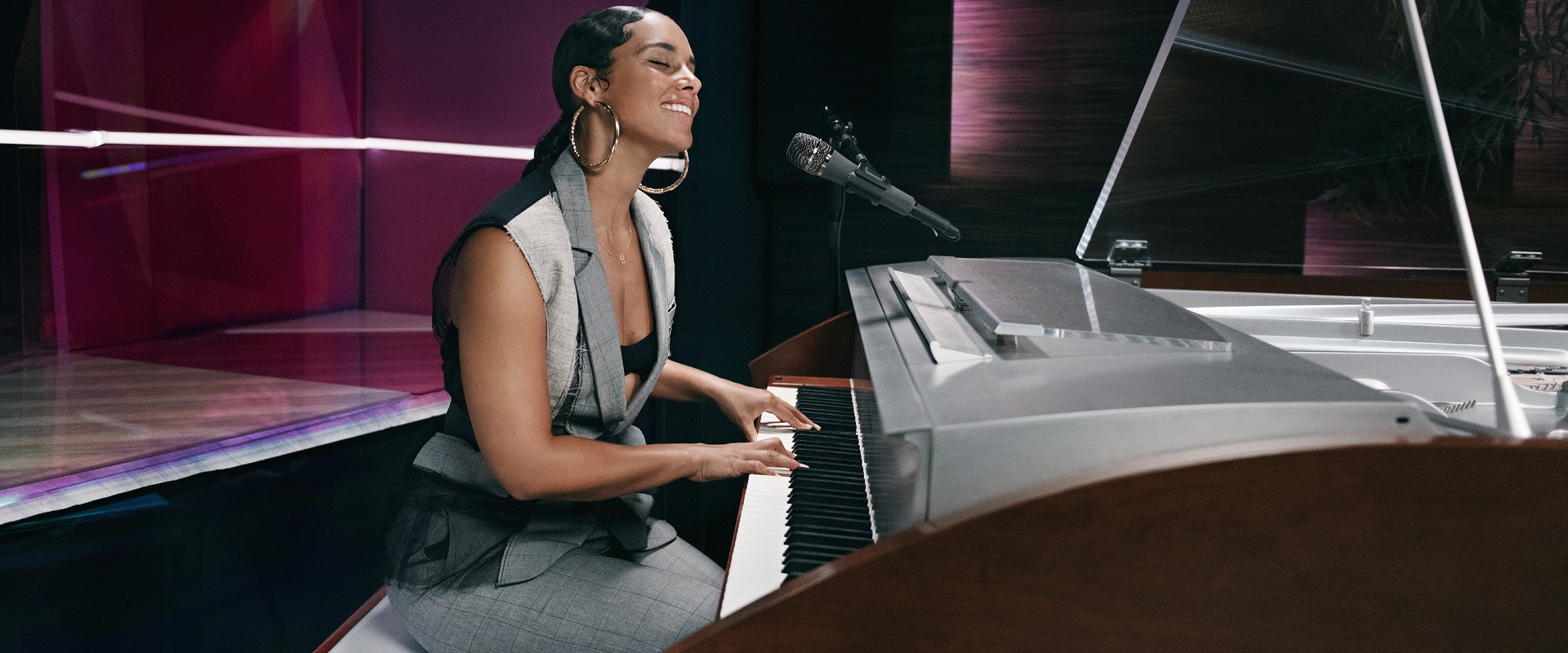 ALICIA KEYS OFFERS ONLINE SONGWRITING CLASSES