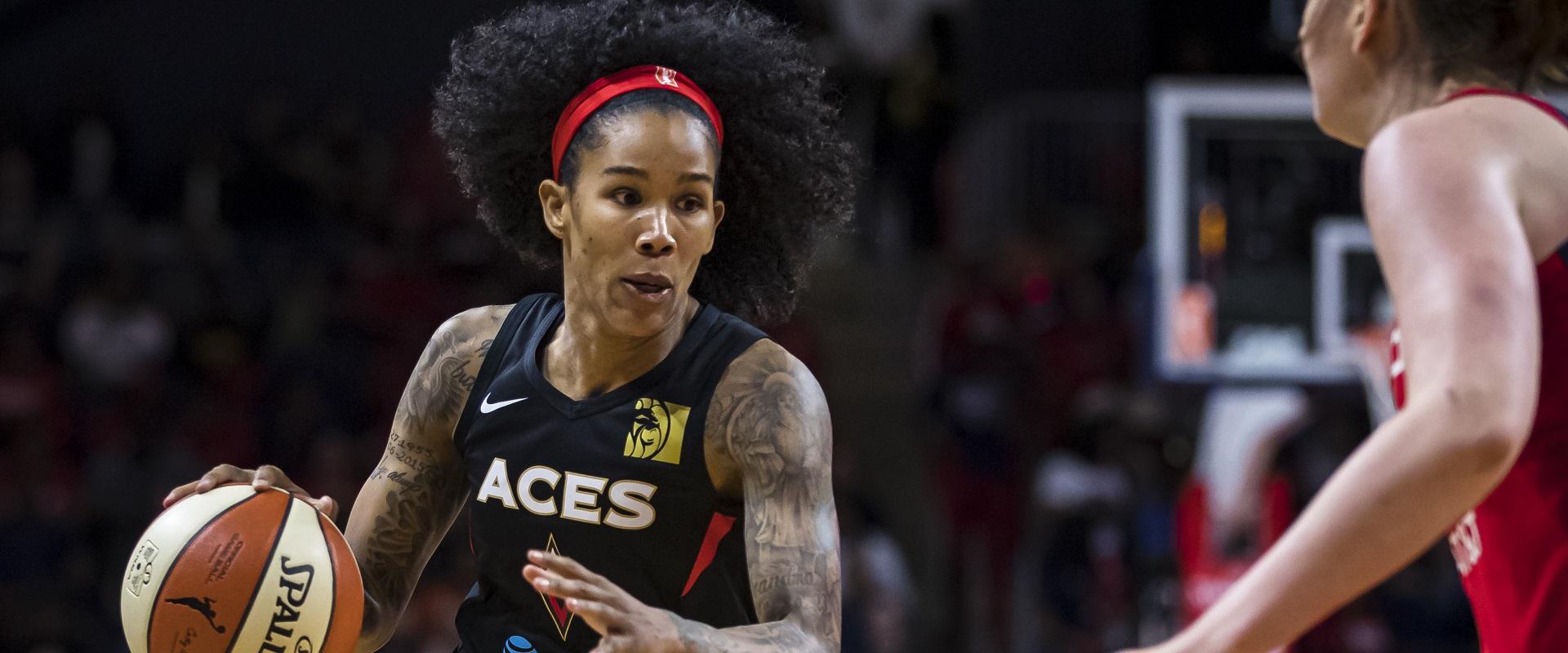 TAMERA YOUNG SE DESPEDE DA WNBA APÓS 12 ANOS
