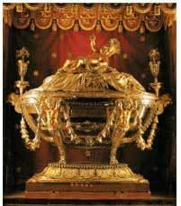 Reliquary containing the Holy Crib