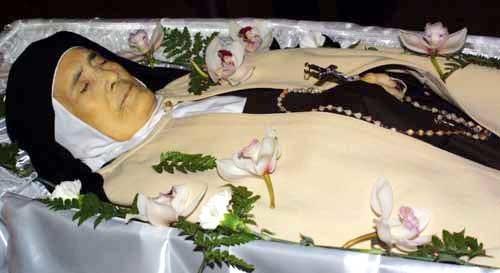 Sr Lucia dos Santos in death