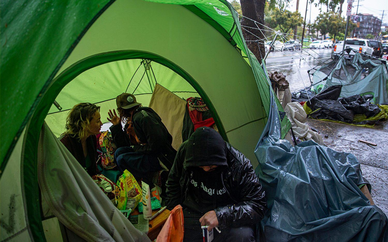 Inside the outbreak: No shelter