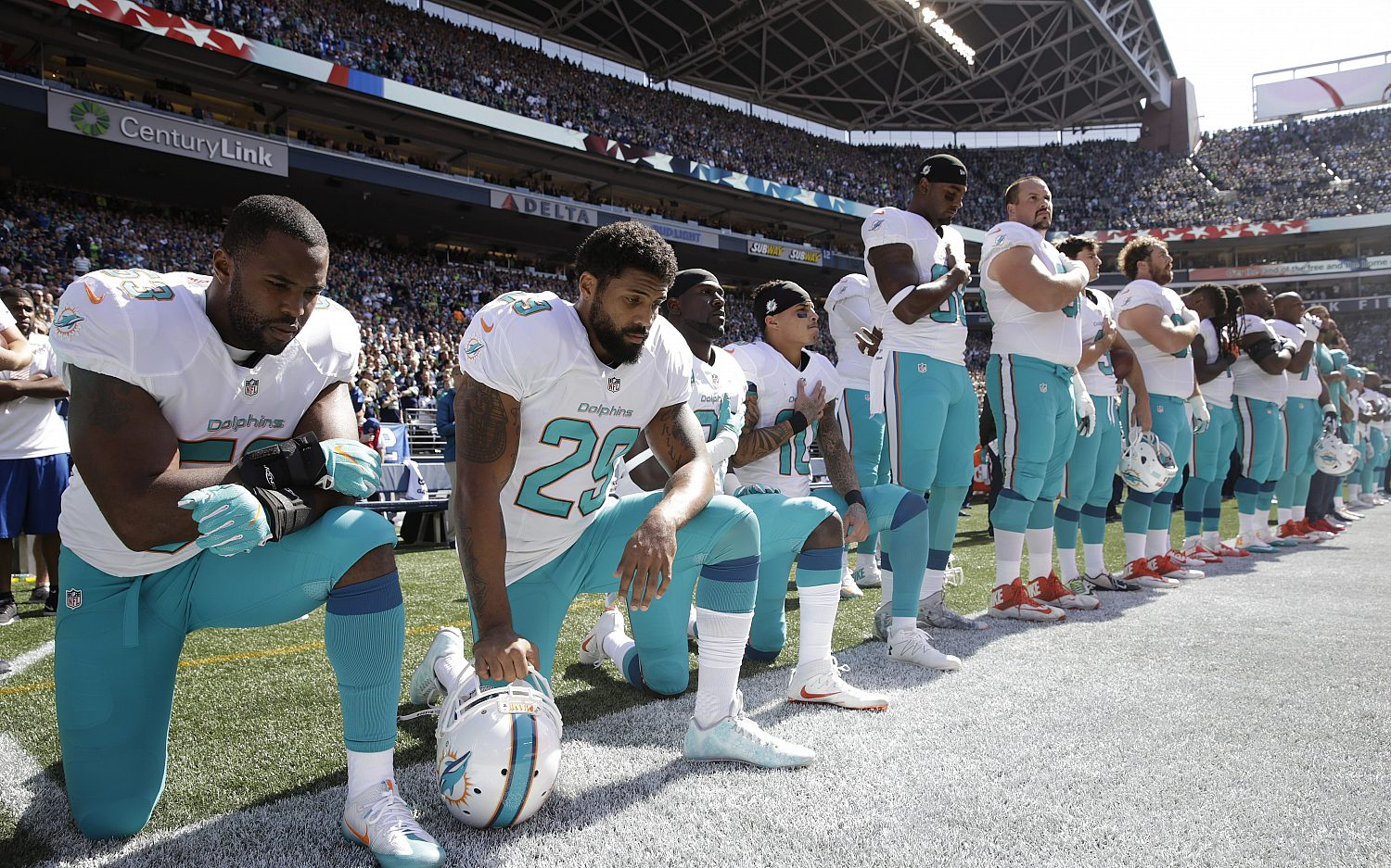 NFL, union hit pause on anthem policy