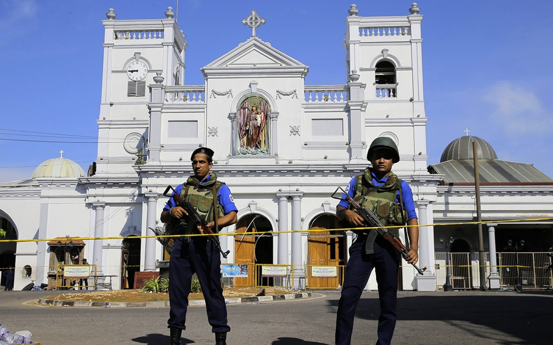 Attacks in Sri Lanka kill hundreds on Easter Sunday