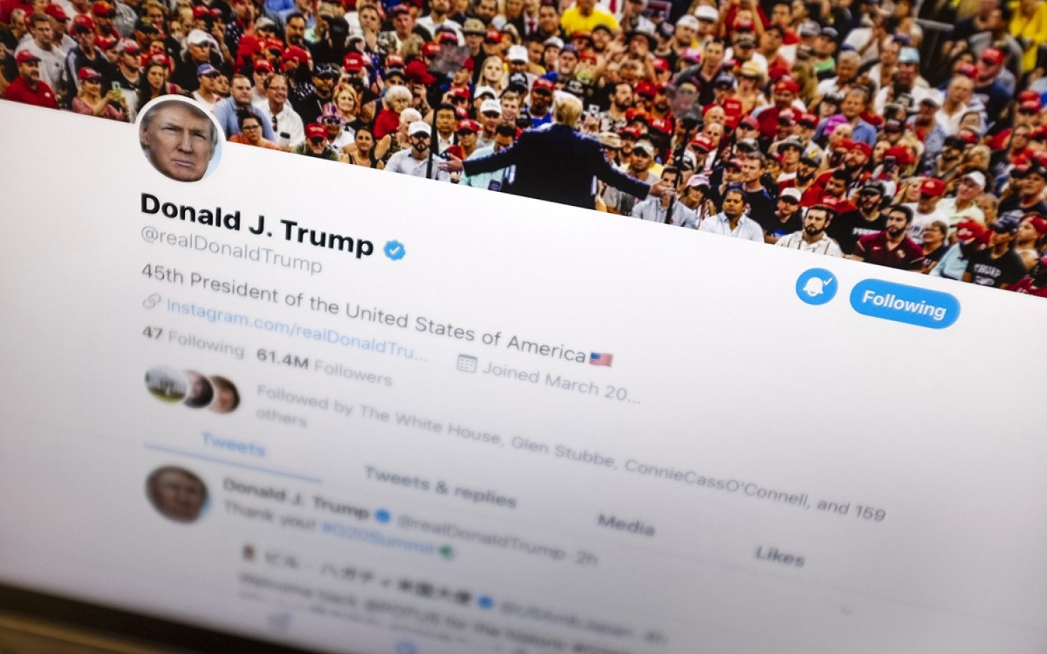 Trump and Twitter feud over fact-checking