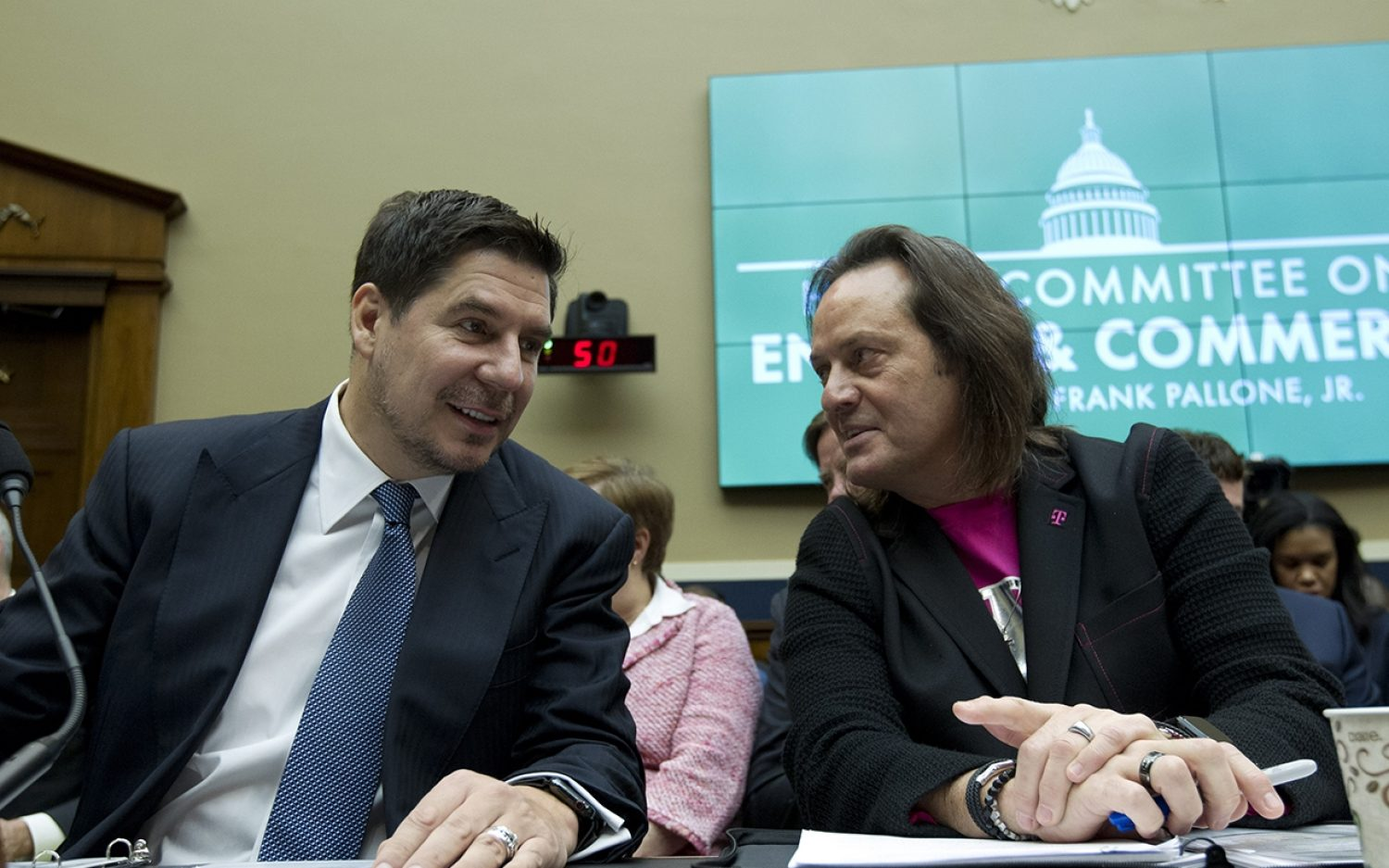T-Mobile, Sprint merger clears major hurdle