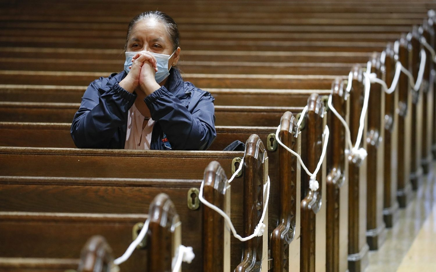 Holiday cheer for New York worshippers