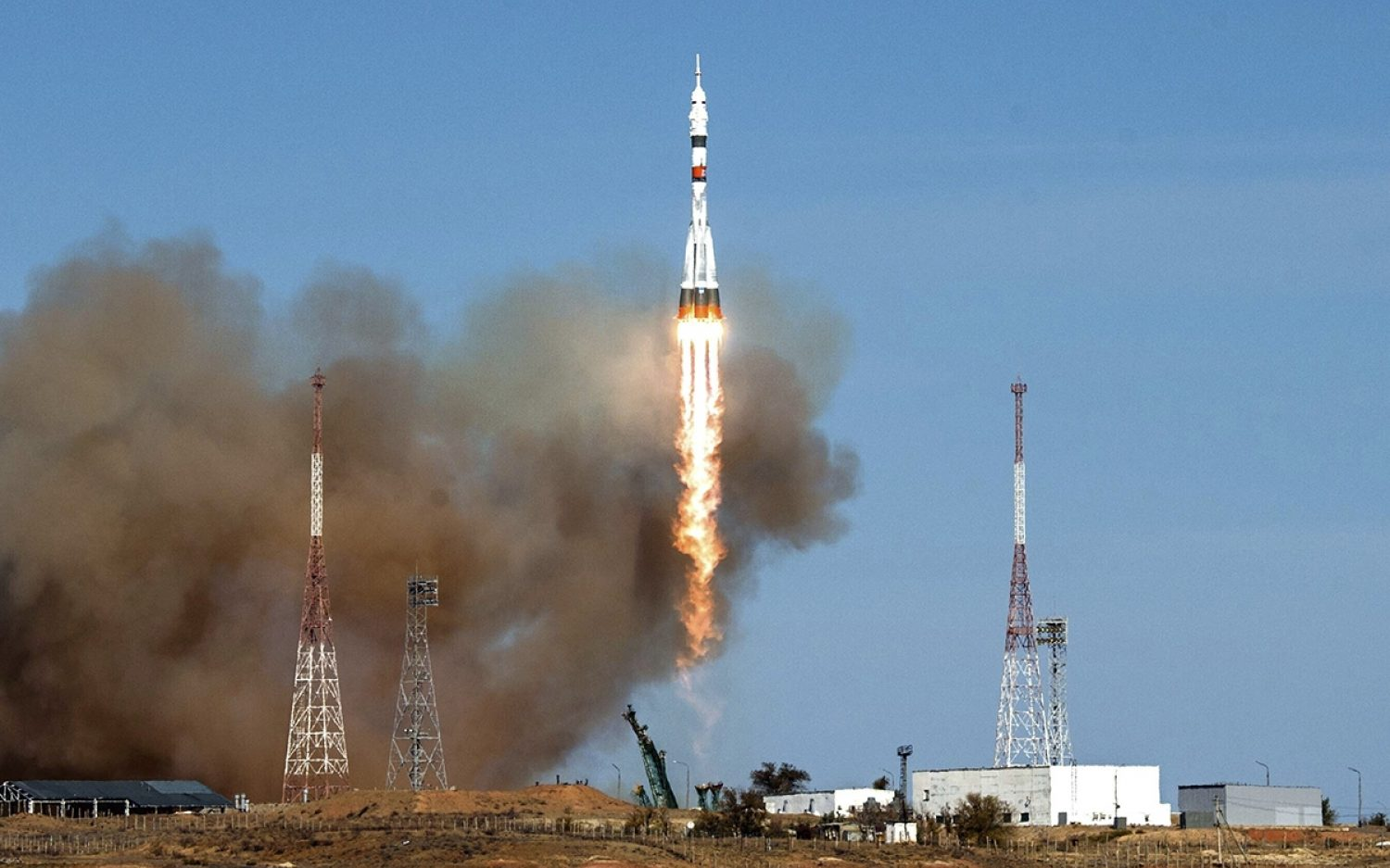 Crew blasts off for space station