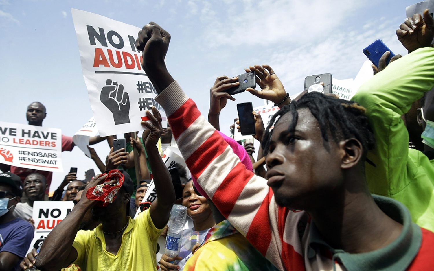 Nigerians stage protests against police violence