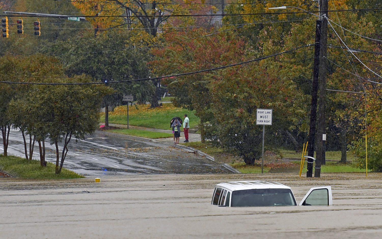 Tropical Storm Eta hits the Carolinas