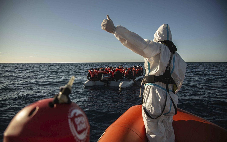 Italy vs. migrant rescue crews