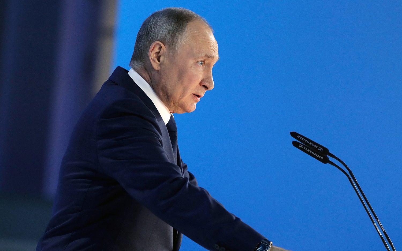 Putin threatens West in annual address