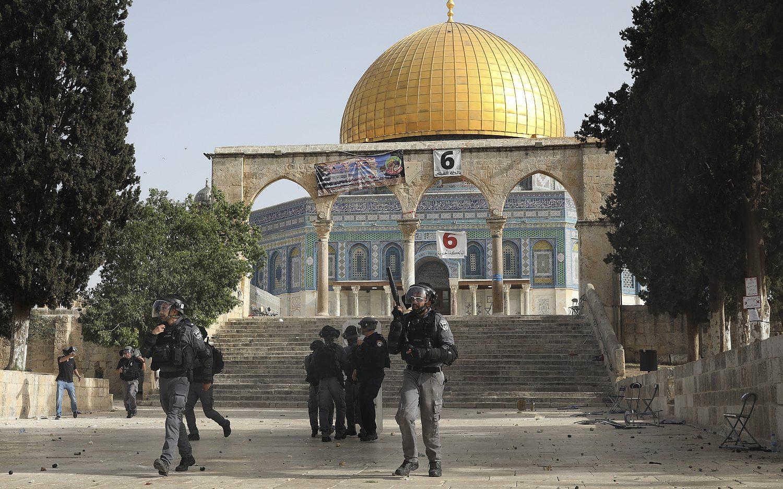 Jerusalem Day march turns violent