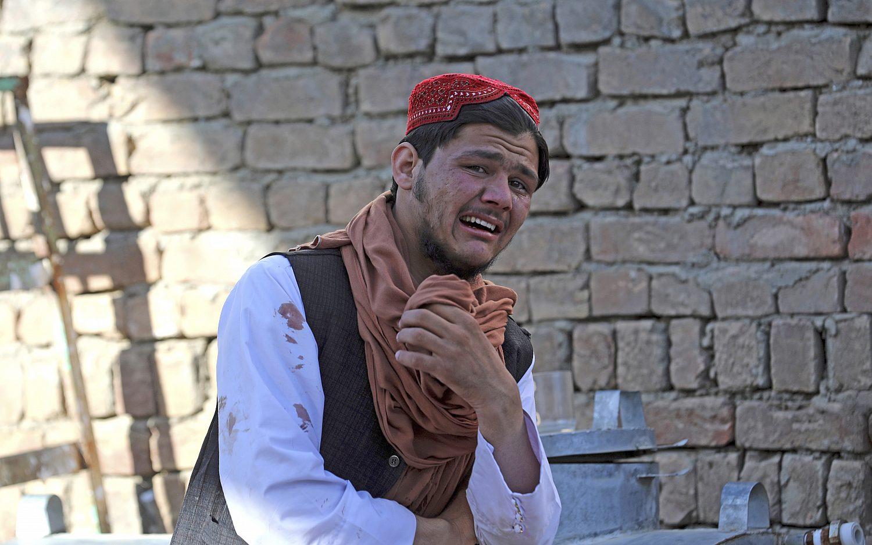 Bomb strikes Kabul mosque
