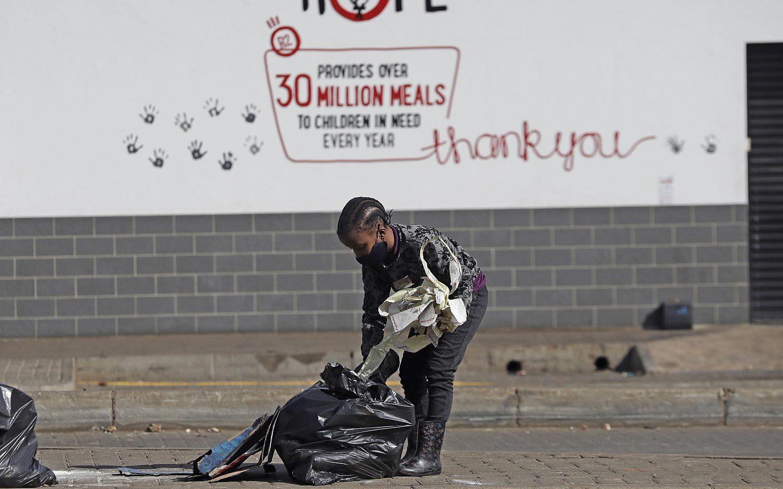 South Africans start to rebuild after violent riots