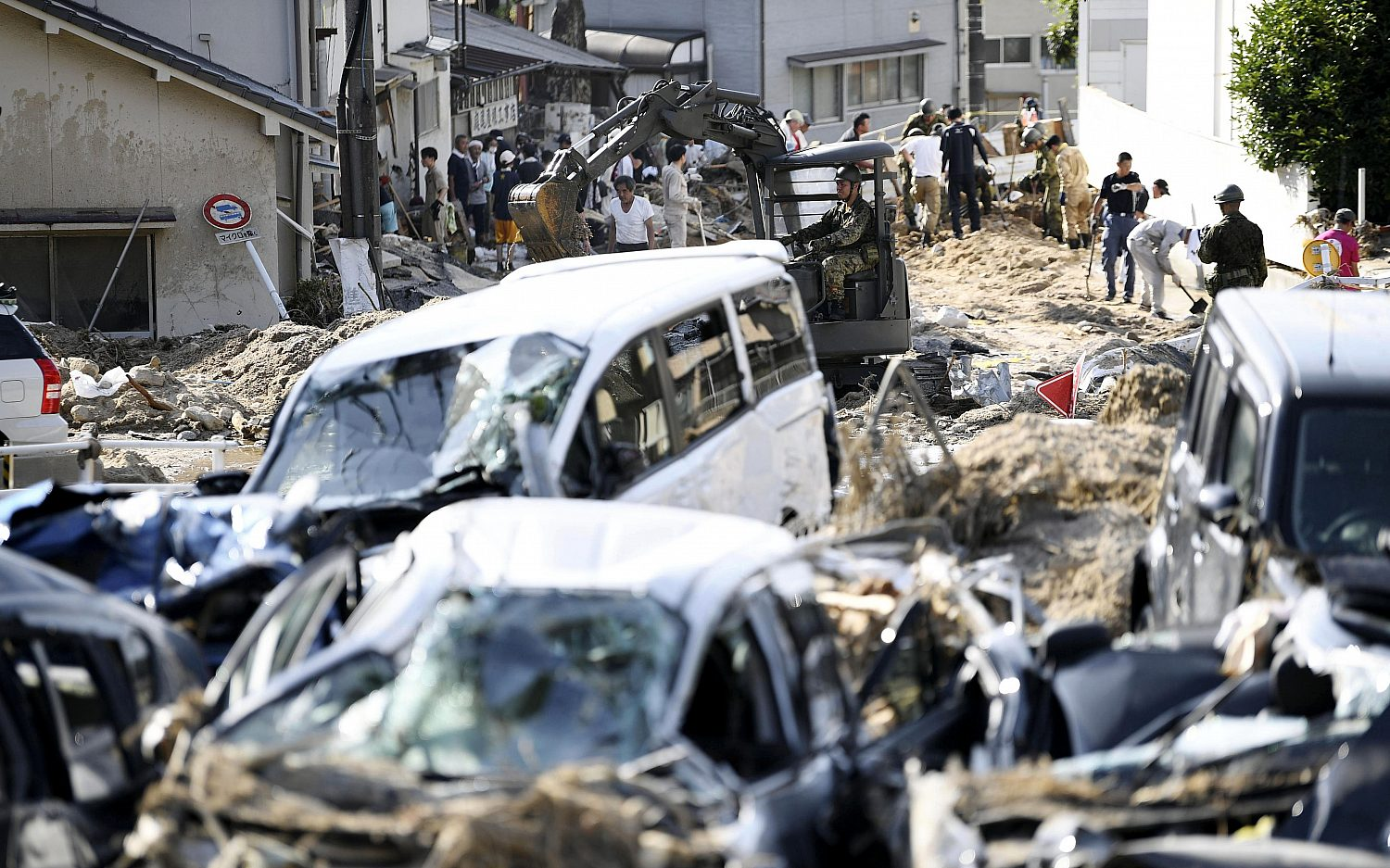 Death toll rises as rescue efforts continue in Japan