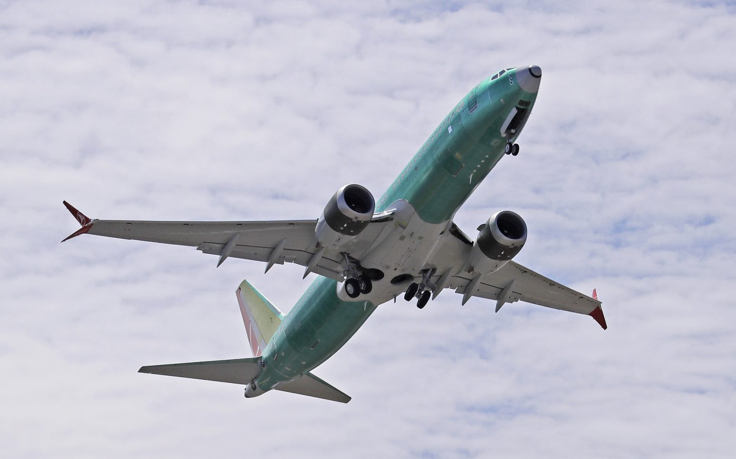 FAA, Boeing find more flaws on planes