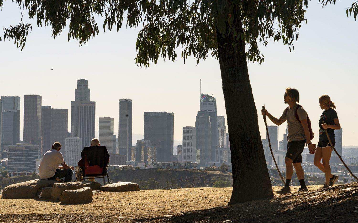 California sees first year-over-year population decline