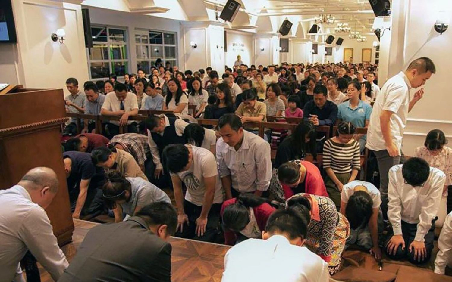 Chinese churchgoers arrested, forbidden to meet