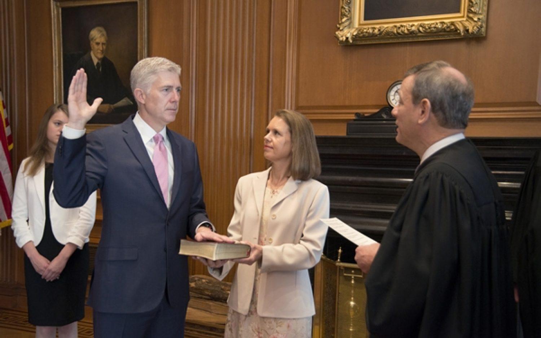 Supreme Court readies for religious liberty showdown