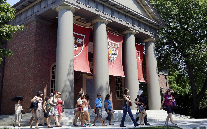 DOJ supports Asian-American students suing Harvard