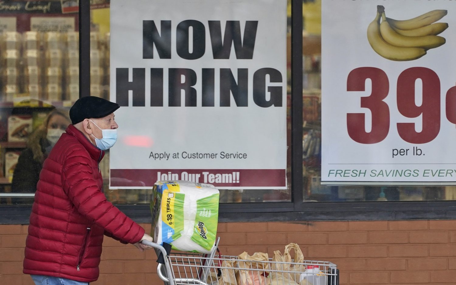 U.S. businesses struggle to find workers