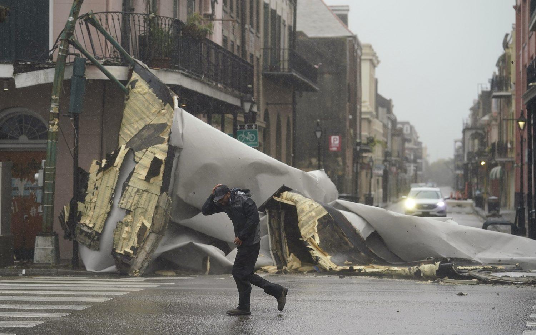 Hurricane Ida slams Louisiana, Mississippi