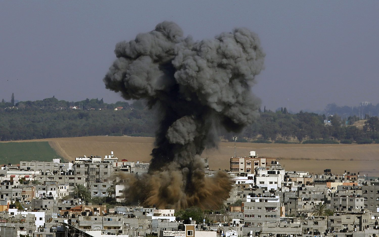 Fears of all-out war in Israel grow