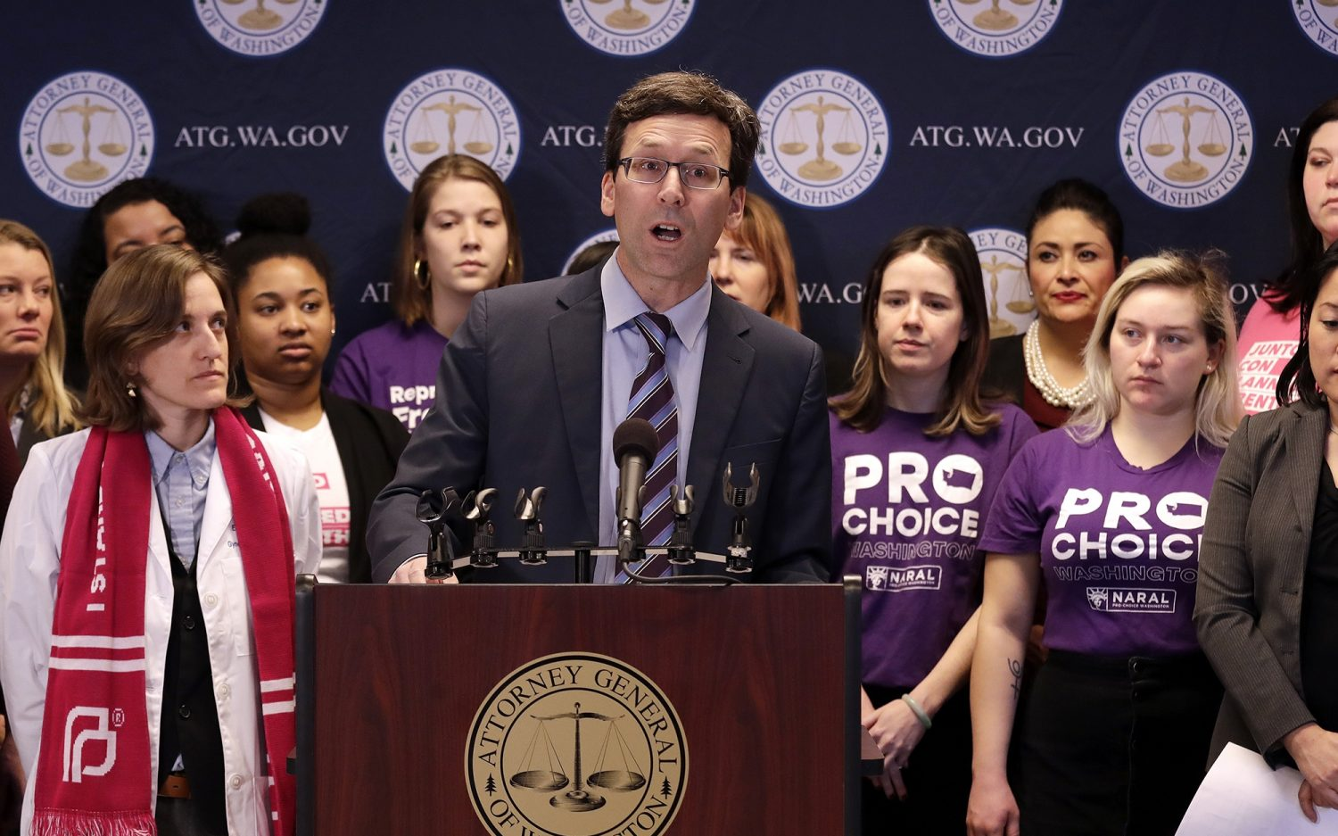 States challenge Trump's abortion defunding rule