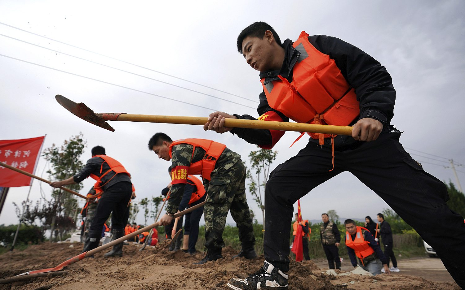 Floods claim lives in China