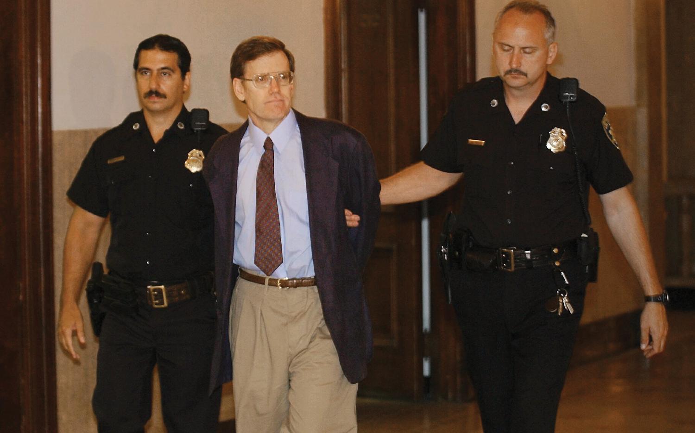Two sheriff's officers lead James Kopp into court for the murder of Barnett Slepian.