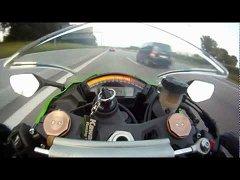 Audi  RS6 <b>VS</b> Kawasaki  ZX